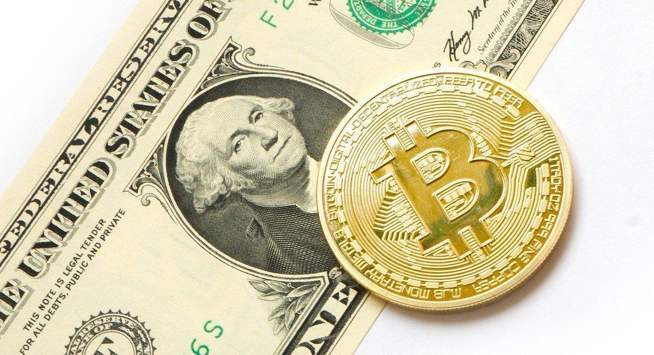 Bitcoin frente a las monedas convencionales